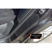 Накладки на внутренние части задних арок со скотчем BMW X3 2018- шагрень
