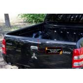 Накладки на задний откидной борт со скотчем 3М Mitsubishi L200 2015-2018 V шагрень